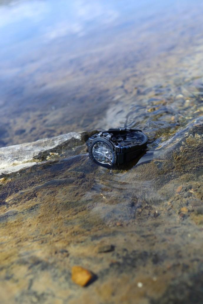 G-Shock MT-G Carbon Fiber MTGB1000XB-1A in water