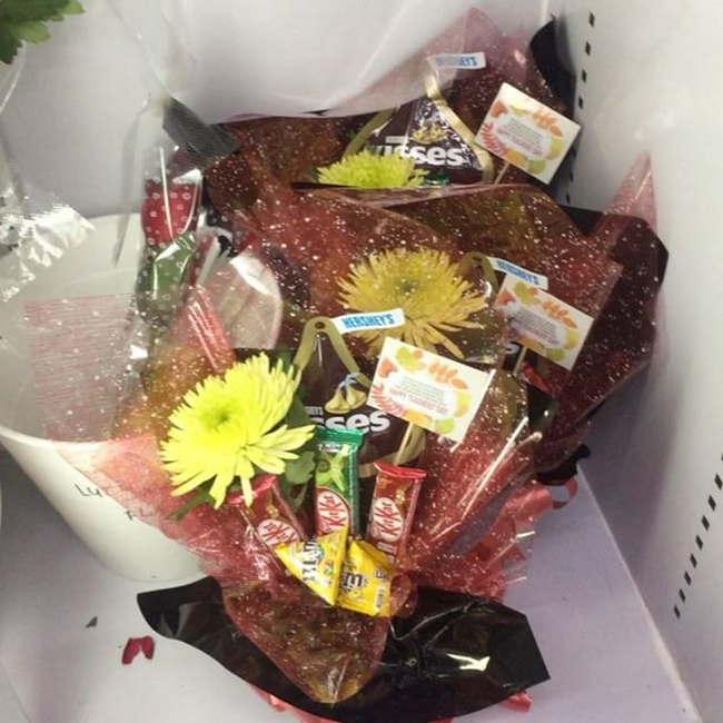 Surprise Delivery jambangan coklat