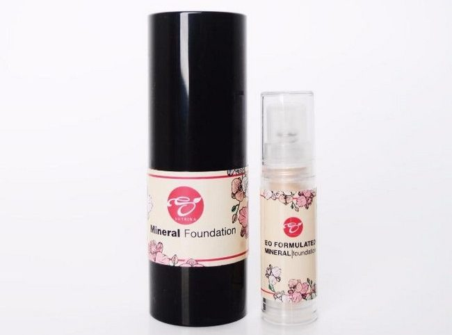 eo-formulated-mineral-foundation-with-spf-30 Produk Kosmetik 100% Organik Terbaik