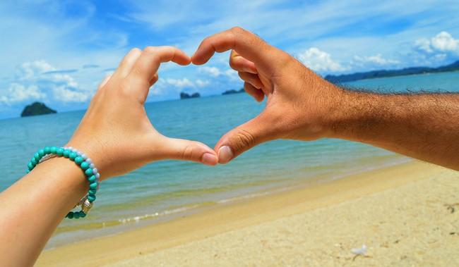 pantai-langkawi-beach