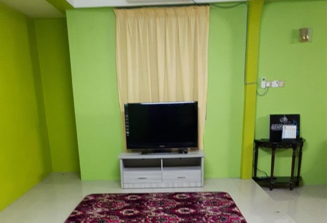 homestay murah di gelugor penang kemudahan tv