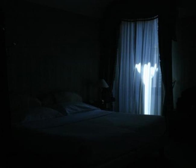 Pakaian Tidur Wanita Gelap