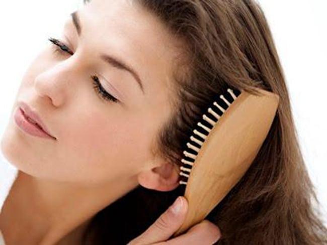 Antaranya Cara Mengatasi Masalah Bau Rambut dan Kusut