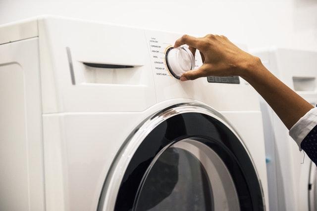 mencuci pakaian baru
