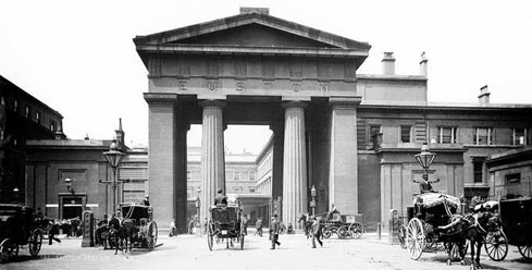 Euston Arch at Euston Square, London, photograph, circa 1900
