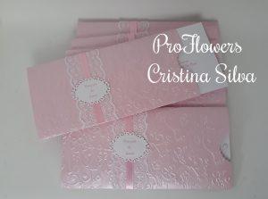 Convite Rosa em papel relevo com moldura 1