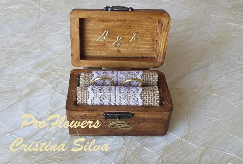 1598778a1b68 Porta alianças em caixa de madeira Vintage - Proflowers Cristina Silva