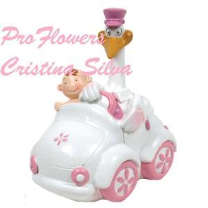 Topo bolo Bebé com cegonha no carro mealheiro