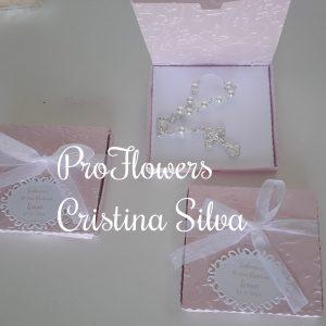 Caixa de cartolina texturada com dezena 2