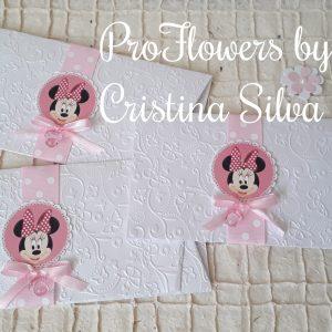 Convite em papel texturado tema Minnie