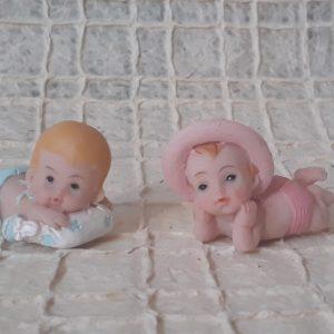 Bonecos em resina com aproximadamente 5cm
