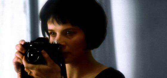 Teresa avec son appareil photo, extrait du film adapté du roman par Philip Kaufman (1988)
