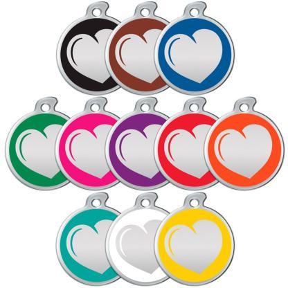 Ein Bild von Erkennungsmarken mit Herzen in aller Farben.