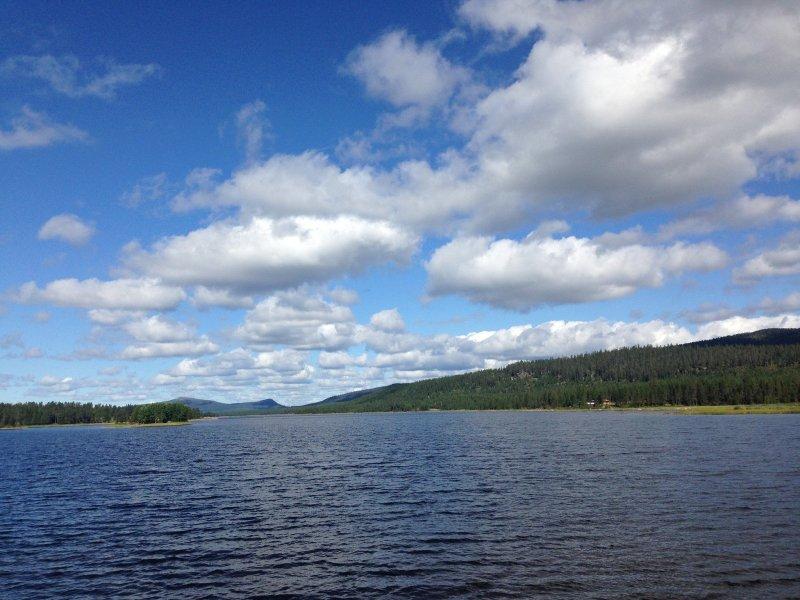 Lago en la Laponia sueca