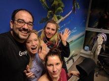 En la oficina de Wroclaw (mis compañeras allí están locas y son divertidísimas)