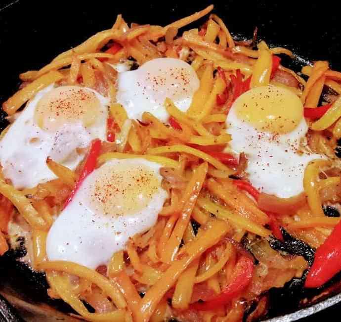 Flamenco Eggs-Spanish Style Baked Eggs with Veggies