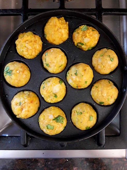Cheesy Potato Poppers set on Appe pan