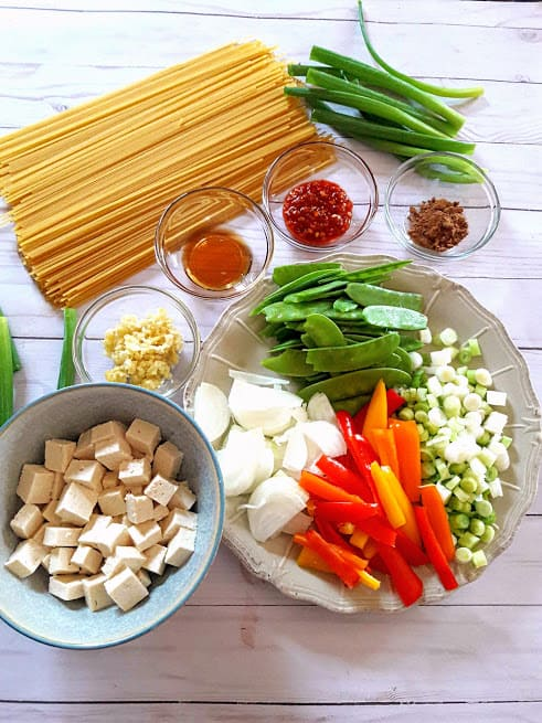 Ingredients used for making Chili Garlic Instantpot Noodles