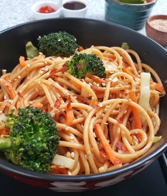 Vegetable Lo Mein Noodles - InstantPot Recipe