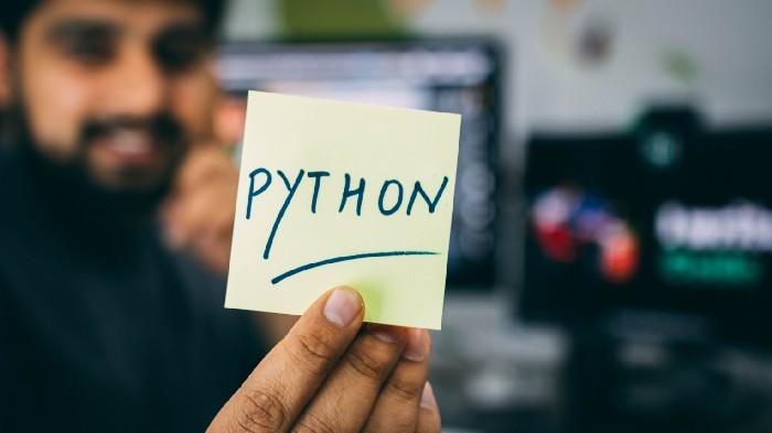 How to rewrite SQL queries in Python using Pandas
