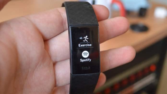 Fitbit Charge 4 интерфейс