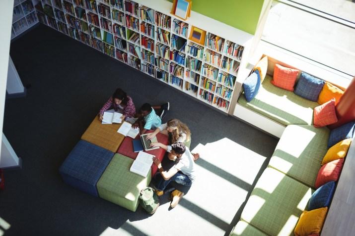 La Biblioteca diventa spazio di incontro per grandi e bambini