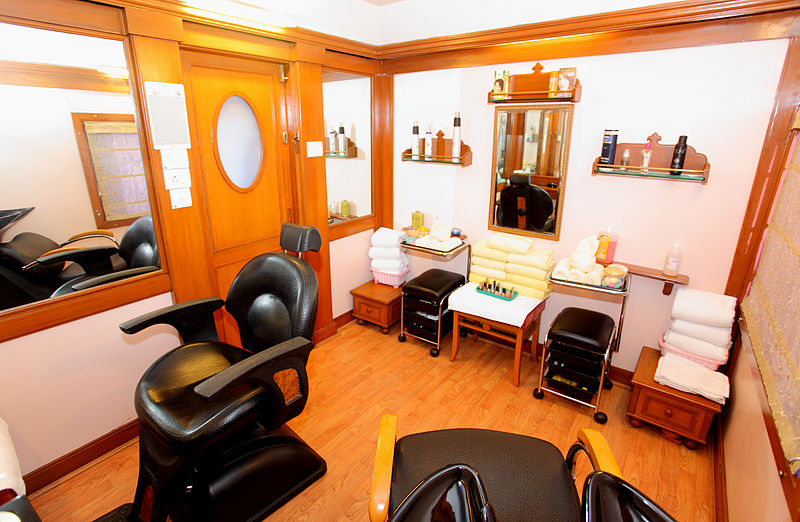 Tips for managing a salon