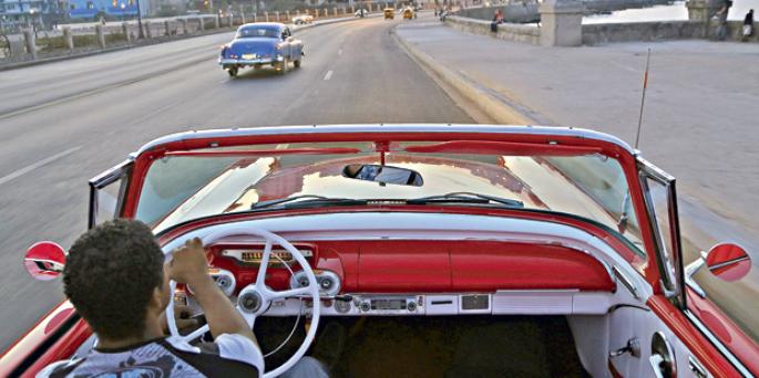 Mayoría de estadounidenses apoya lazos más fuertes con Cuba