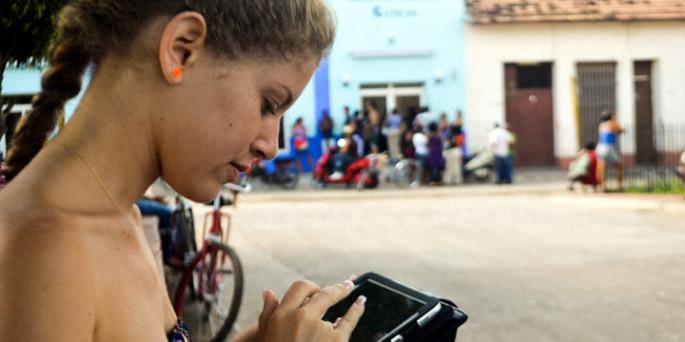 Zonas wifi: Internet ya está en el aire de Cuba