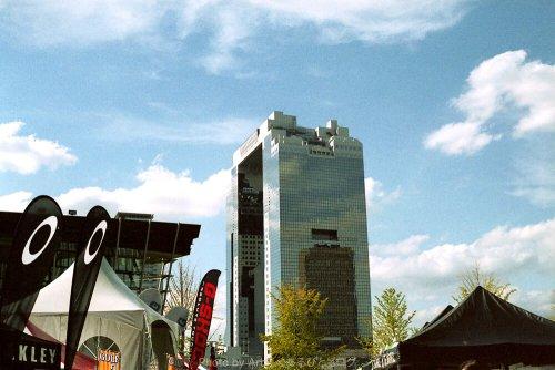 梅田スカイビルをCONTAX G1 とPlanar T* 45mm F2にて撮影(Kodak Gold 100 2005年消費期限切れ)で撮影した写真