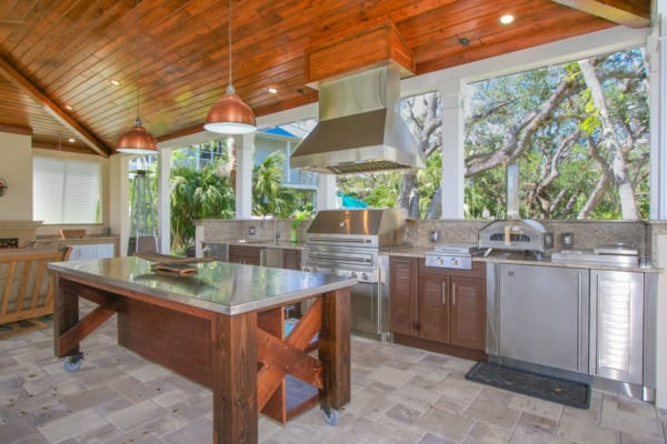 8 Outdoor Kitchen Design Trends For Southwest Florida Home on Outdoor Kitchen Living Spaces id=70745