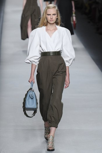 http://www.popsugar.com/fashion/Spring-2016-Trends-Runway-38723166#photo-38727283
