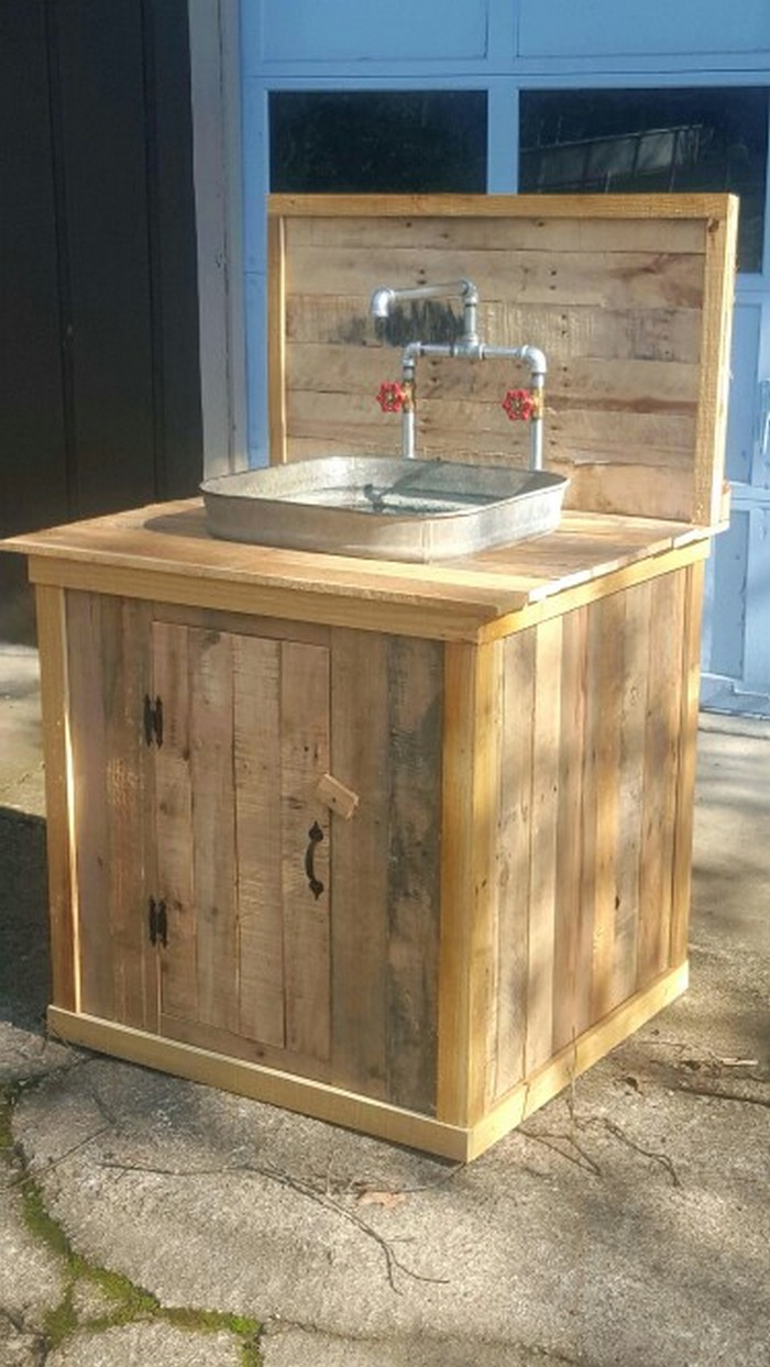 Build your own unique outdoor sink with an old wooden ... on Outdoor Patio Sink id=30903
