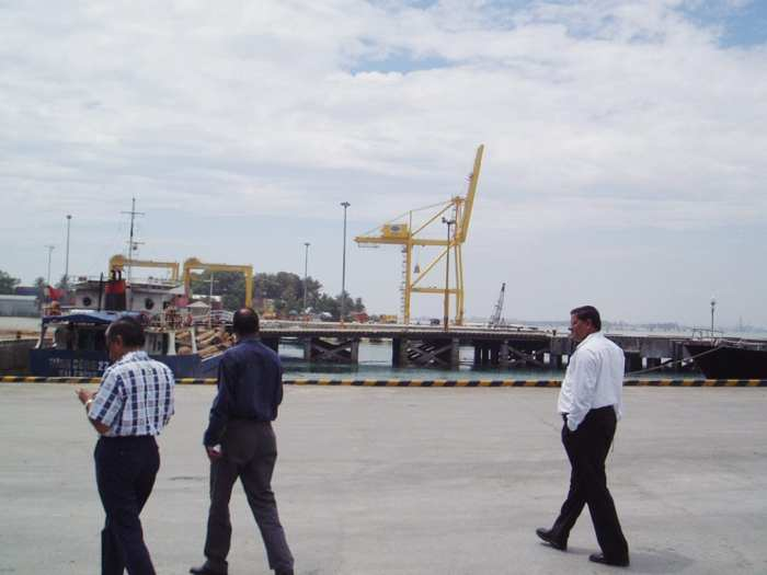 Indian customers at the port of Danag Vietnam