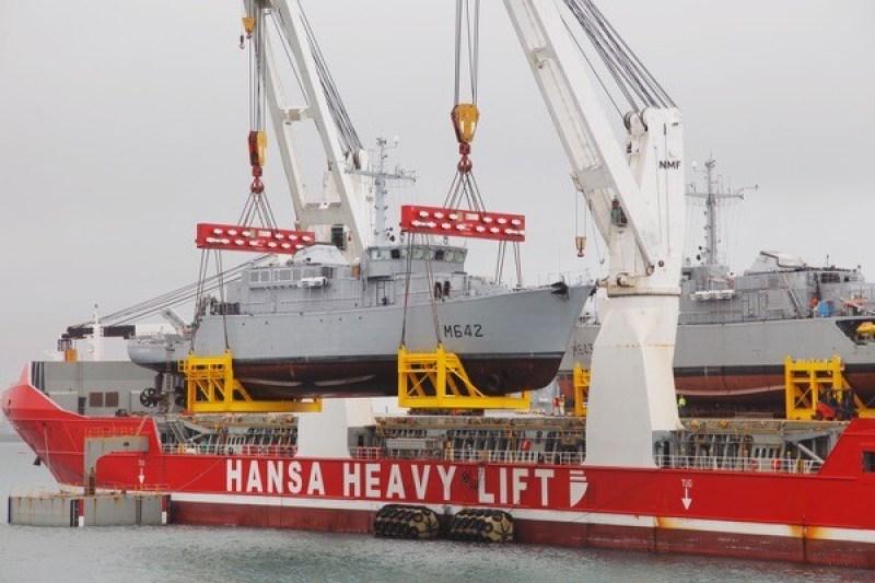 Hansa Heavy Lift transports two mine-hunting naval ships