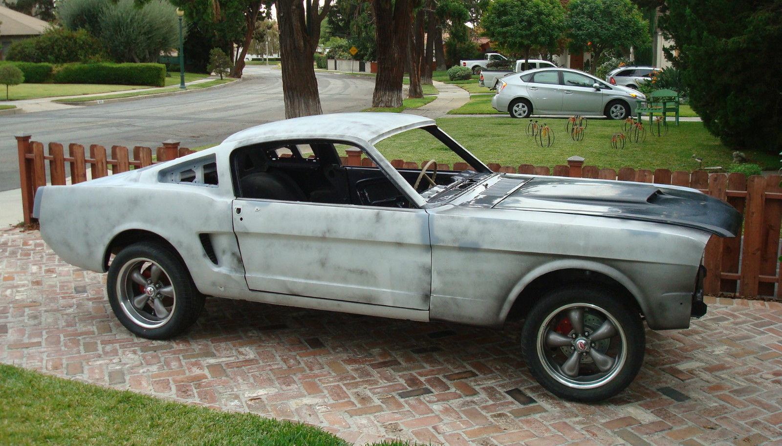 Minor spot on passengers door lower corner. Mustang Project Cars For Sale Near Me Picture Idokeren