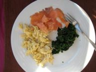 Smoked salmon with scrambled eggs and spinach
