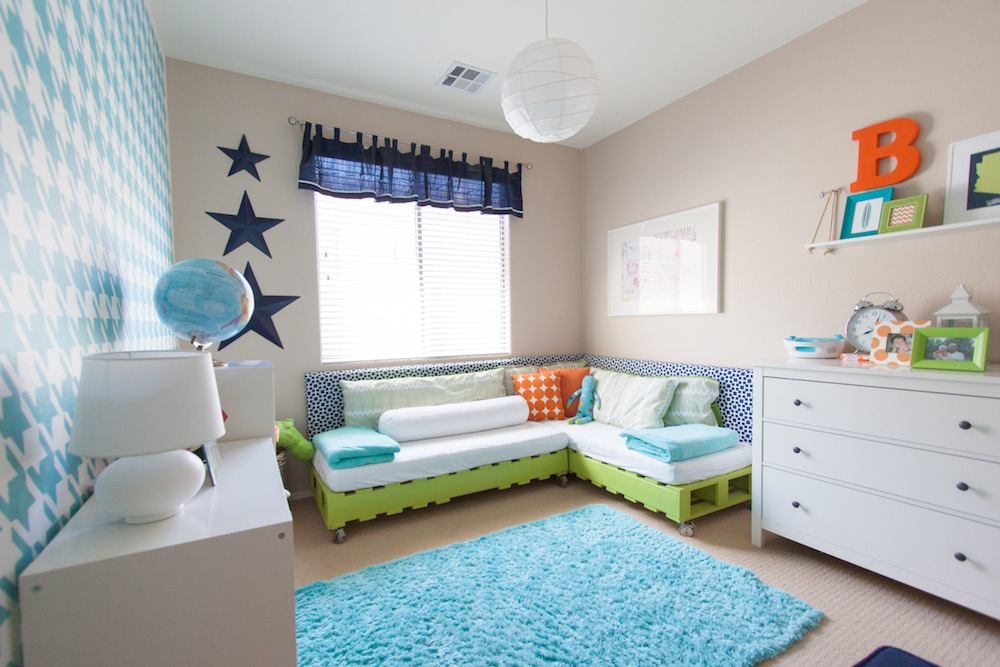Petite Party Studio - Project Nursery on Pallet Bed Room  id=41310