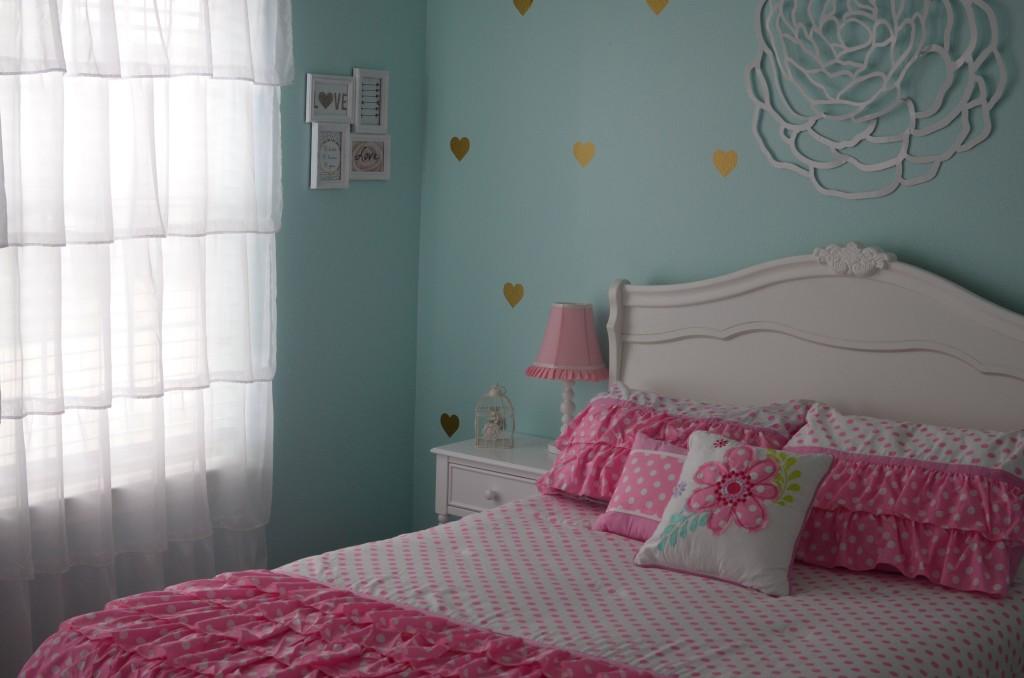 Finleys Aqua Pink Gold And White Big Girl Room