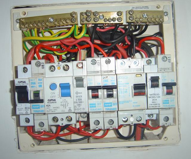 sparky_3?resized640%2C533 clipsal surge protector wiring diagram the best wiring diagram 2017 clipsal surge protector wiring diagram at readyjetset.co