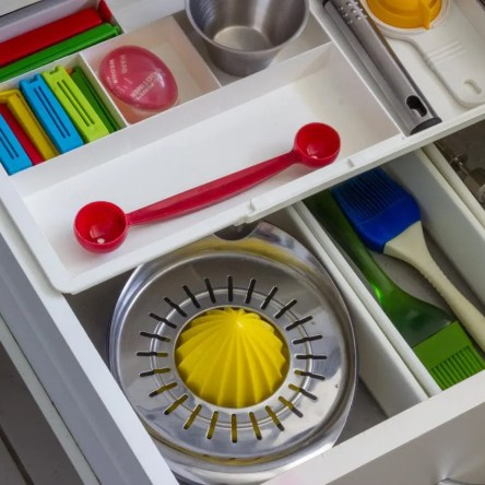 A well-organised kitchen drawer