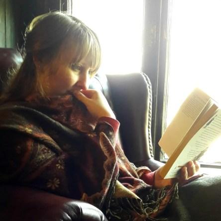 Jen reading