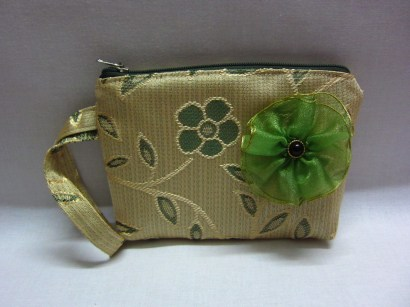 Green floral wristlet with detachable flower brooch (RM25)
