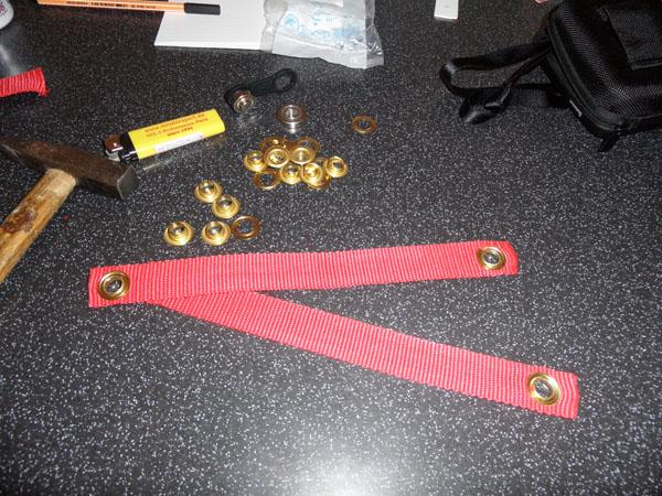 Band, Ösen und Werkzeug
