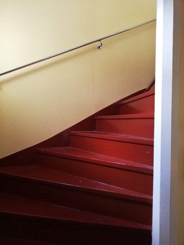 O'Larsgården i Åflo till salu – trappa.
