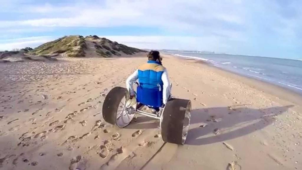 fauteuil roulant plage