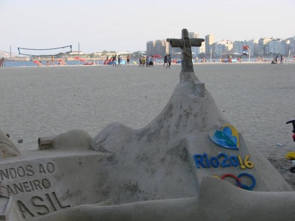 As esculturas de areia em Copacabana