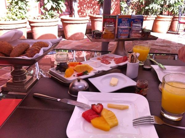 hotel-mgallery-santo-domingo-cafe-da-manha
