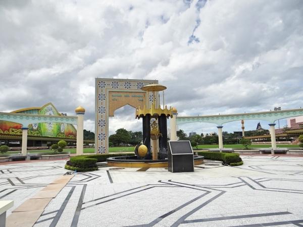 Jln Sultan Omar Saifuddien Brunei