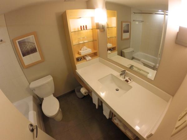 Banheiro do hotel Delta Quebec